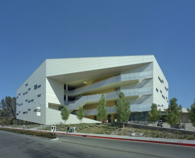 Chaparral Science Hall by Yazdani Studio  1