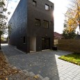 Charcoal House by Atelier rzlbd  3